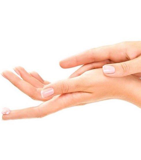 Naturalna pielęgnacja dłoni w okresie jesienno – zimowym